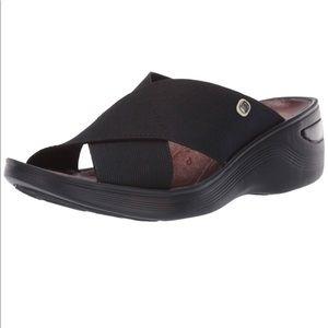 Bzees Women's Desire Sandal Size 9